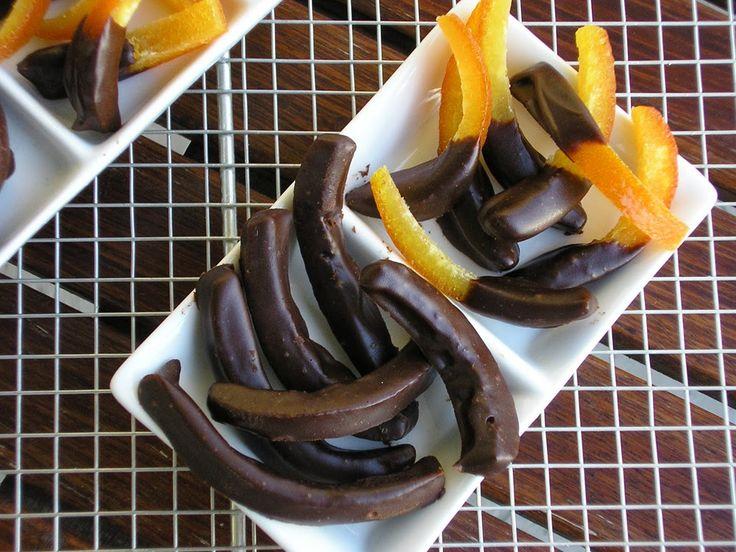 Με το δάχτυλο στο βάζο: Μπαστουνάκια πορτοκαλιού με σοκολάτα
