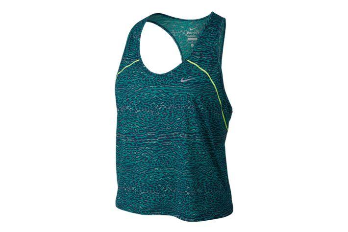 #Nike Racing Tank - koszulka damska typu bezrękawnik. Wykorzystane panele meshowe oraz materiał zapewniają swobodną cyrkulację powietrza. Idealne na upalne dni dla amatorów i profesjonalnych biegaczy. #koszulka #drifit #jesienzimia2015