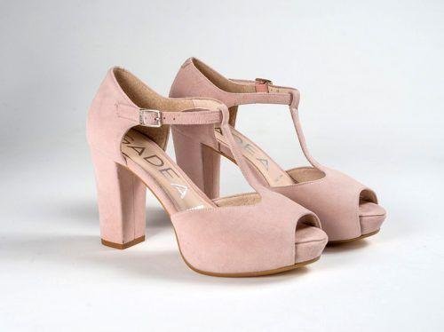 755b9b7c42 Sandalia para novia con talonera cerrada en color rosa nude ...