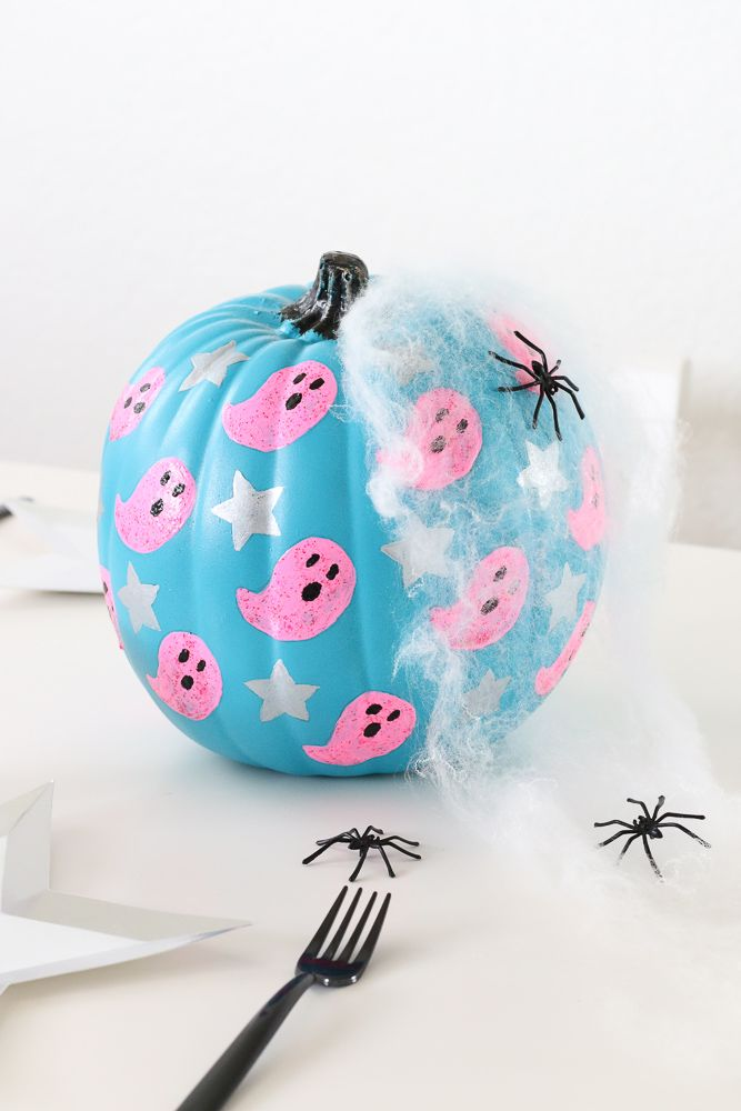 Diy Ghost And Stars Halloween Pumpkin With Michaels Stores Halloween Pumpkins Painted Pumpkin Halloween Decorations Halloween Pumpkins