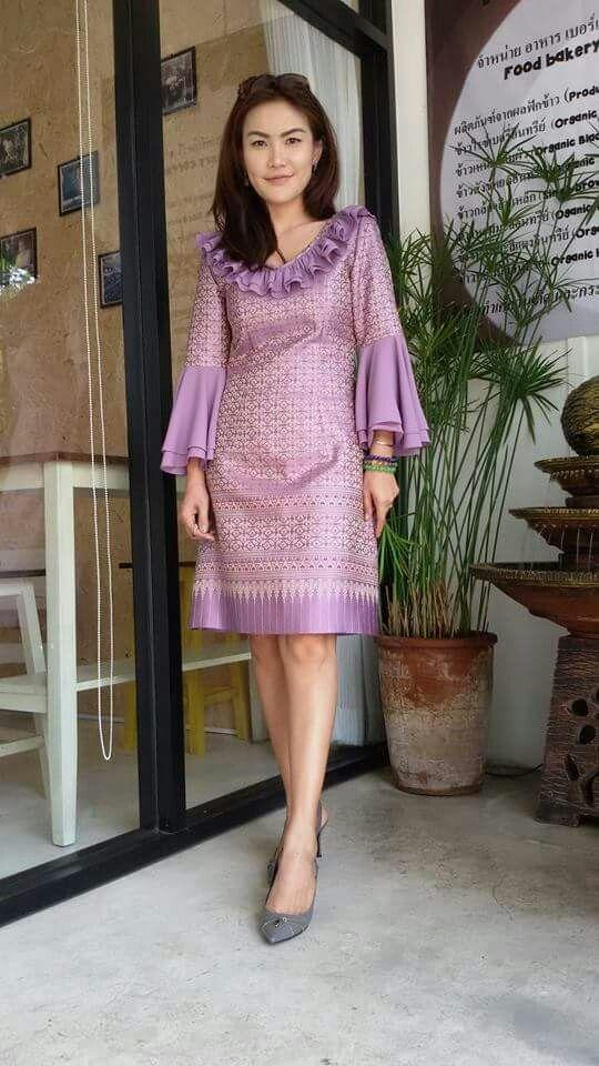 Inspirasi aplikasi kain tenun untuk dress