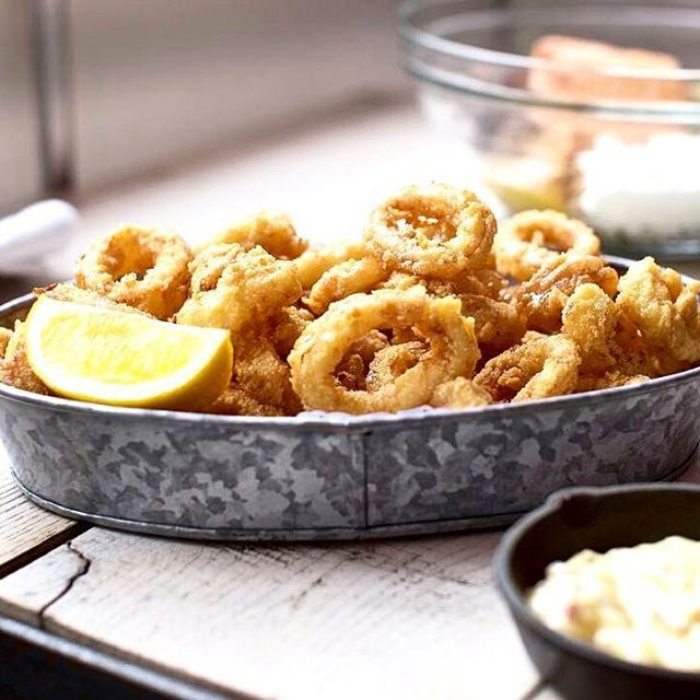 """... #TorontoDinner ✔ .. We are going to call this #Dinner but in fairness to some it can also be an #Appetizer.  Wish Restaurant 💙 💙 on Charles St. East says it's """"Just too #good to split. #Calamari with #proscuitto aioli and chill spiked honey."""" Who are we to argue. .... Time to #Tag your buddies and head on over to Wish Restaurant.💙💙 .. ✔ ✔ #DiscoverToronto with #TorontoLookBook ✔ ✔. . . . . . . . Wish Restaurant 💙 💙 3 Charles Street East Toronto @wishrestaurant 💙💙…"""