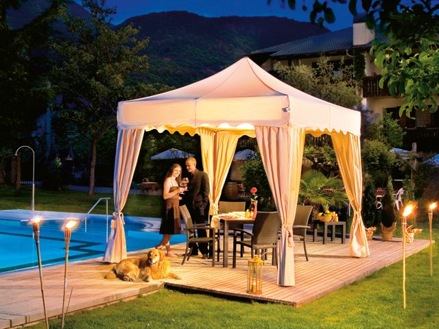 Our elegant model is available in many different sizes and colors and with functional accessiores!  http://www.mastertent.com/en/tents/royal/royal-27.html