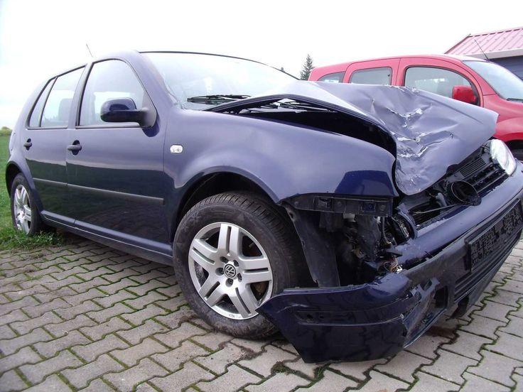 ,VW Golf IV 1,6 FSI Unfall vorne