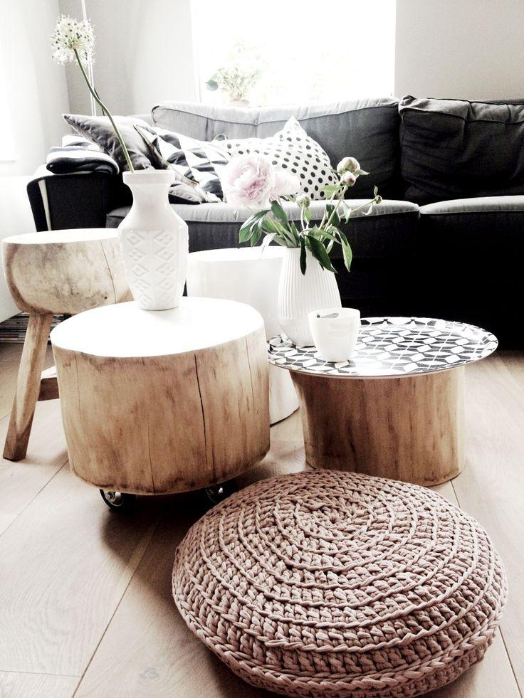De houtenblokken zijn mooi om manden op te zetten bij de verwentafel