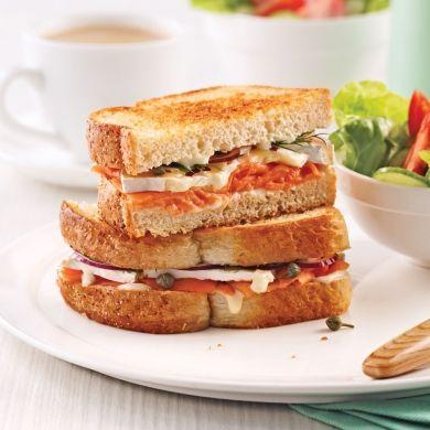 Grilled cheese au saumon fumé et brie - Brunchs - Recettes 5-15 - Recettes express 5/15 - Pratico Pratique