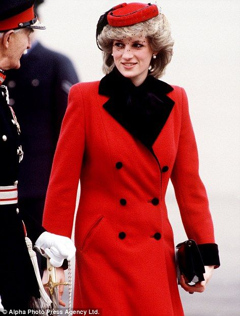 Kate has become the darling of the world's media in much the same way as Princess Diana, echos her chic style 30 years later