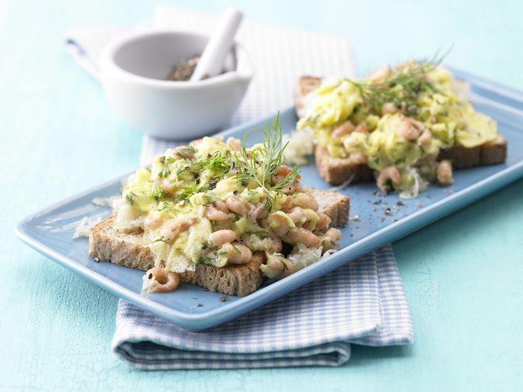 Ein Fest für alle Fenchelfans mit Hang zum Meer: Krabbenrührei mit Dill und Fenchel - smarter - Kalorien: 263 Kcal   Zeit: 20 Min. #frühstück #krabben #breakfast