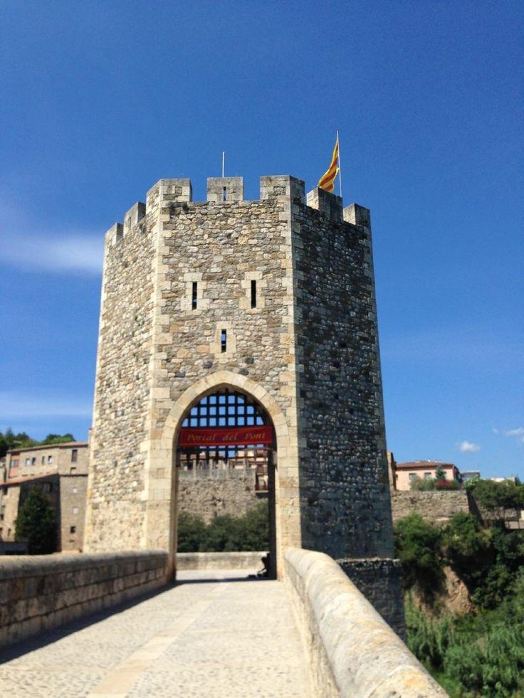 Turismo en Besalú - Viajes a Besalú, España -