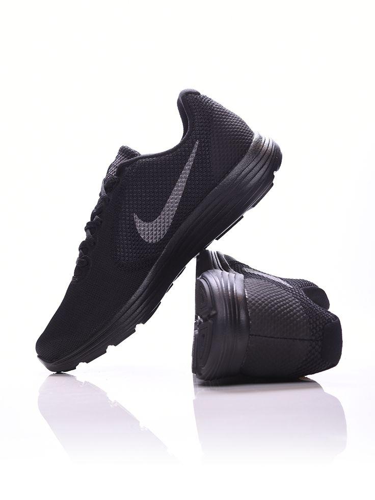 Nike Revolution 3 Férfi Futócipő. Szintetikus anyagból és gyöngyvászonból készült. Habosított Phylon középtalp biztosítja a rugalmasságot mozgás közben. Normál és pronáló futóknak.