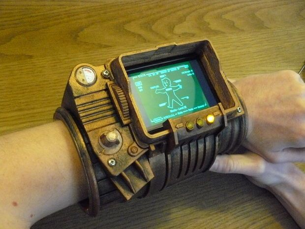 I wish I had a 3d prunter to print this! A 3D printable Pip-Boy 3000.