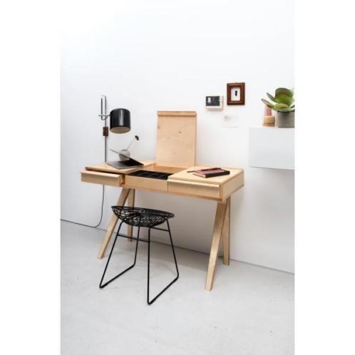 Eras interieurs ceramstraat 18 5013 bb tilburg 013-5433473 info@eras-interieurs.nl   deze desk is ooit in de jaren vijftig als kaptafel bedacht. Echt een braakman, met een rank onderstel, laden in het