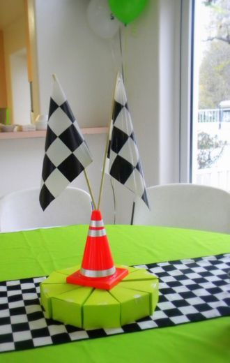 >racing party table