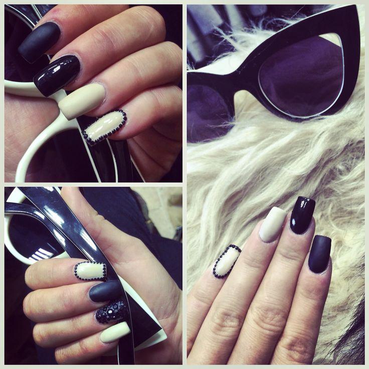 #nail #nails #black #beige #blackandbeige