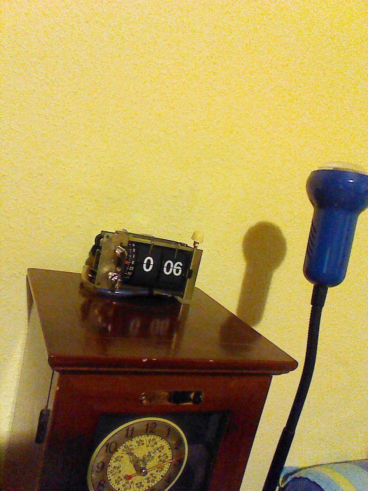 Exposed Retro Flip Clock by Super Cameraman