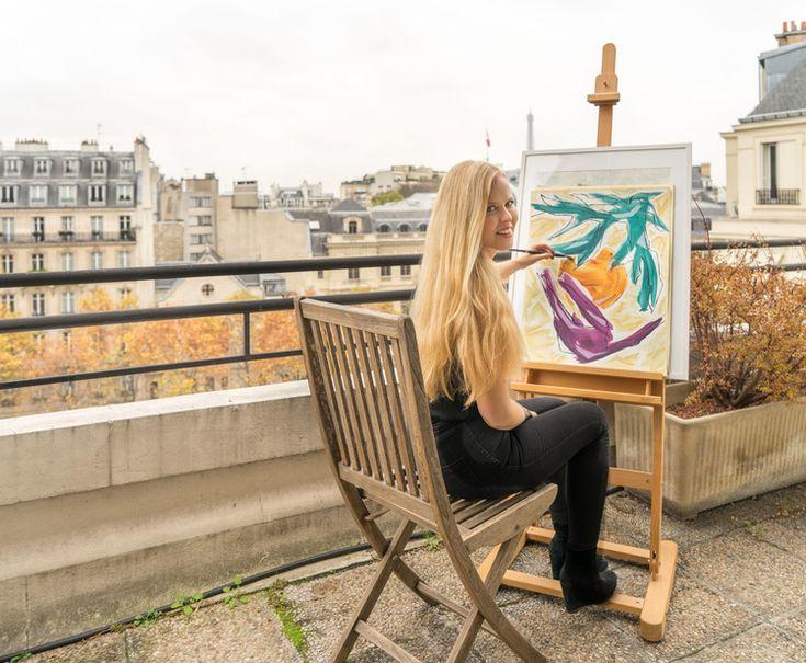 Finnish painter Kati Kukkasniemi in Paris