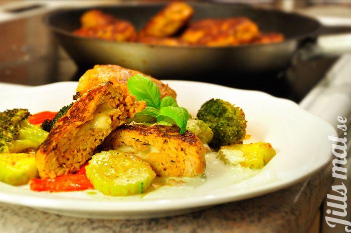 Kycklingbiffar med pestosås - LCHF