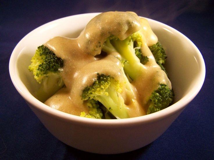 Broccoli met kaassaus, veganistisch, zonder melk