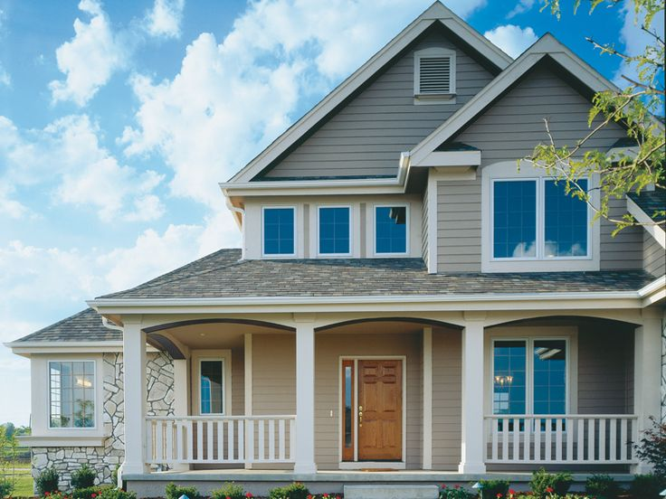 The Columbus Spring Craftsman Home has 3 bedrooms, 2 full baths and 1 half bath.
