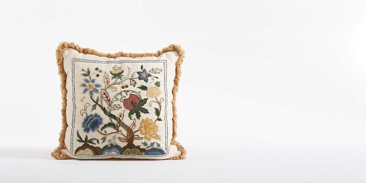Phillipa Turnbull has been producing beautiful embroidery kits for over 25 years. Her crewel work designs are based on the original needlework she finds in the