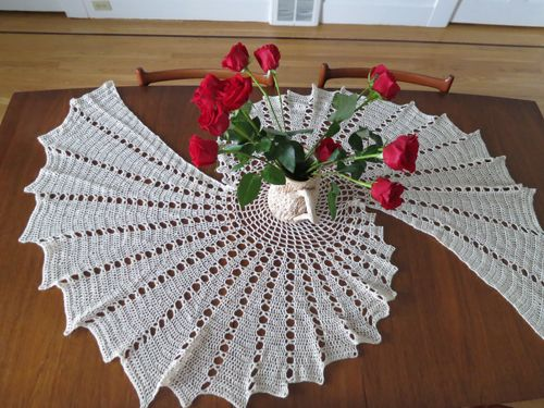 free easy crochet dollies | Fractal Crochet Tablecloth - Seamstress Erin