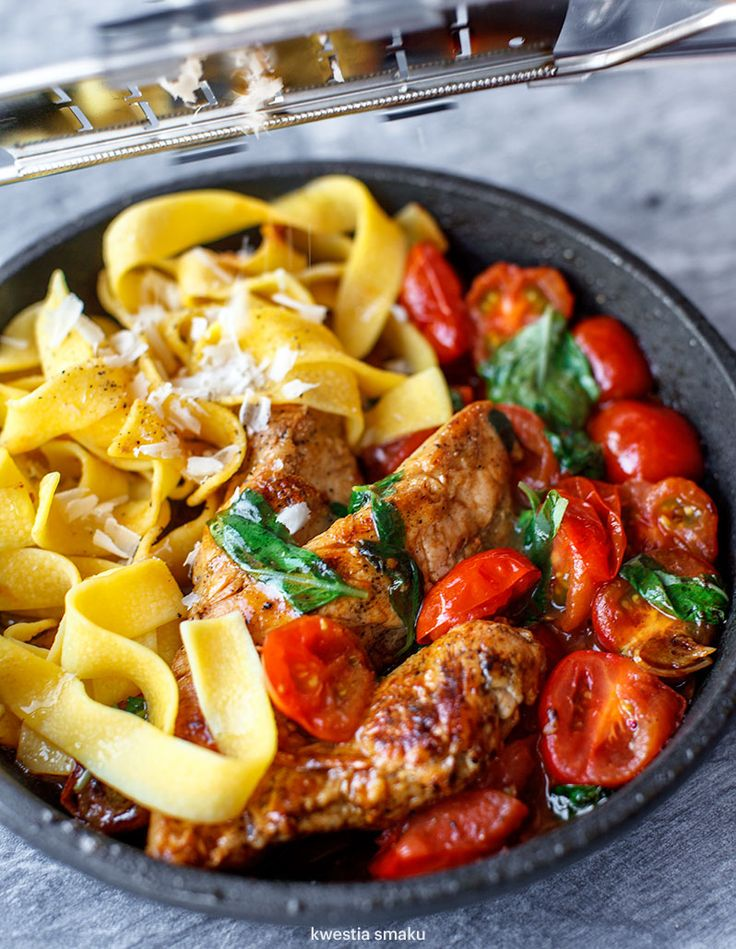 Pan-Fried Tomato and Basil Chicken