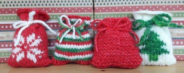 Knit Little Santa Sacks For An Advent Calendar Christmas Gift Knitting Patterns Knitted Christmas Decorations Santa Sack Pattern