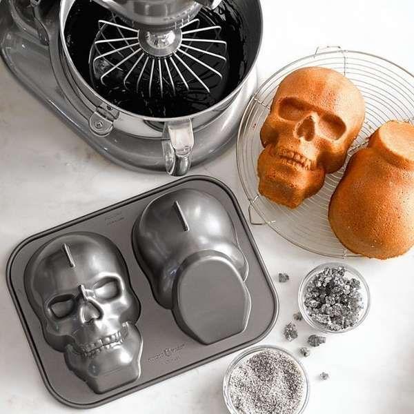 #Skull cake pan. Bake up some morbid cakes for Halloween