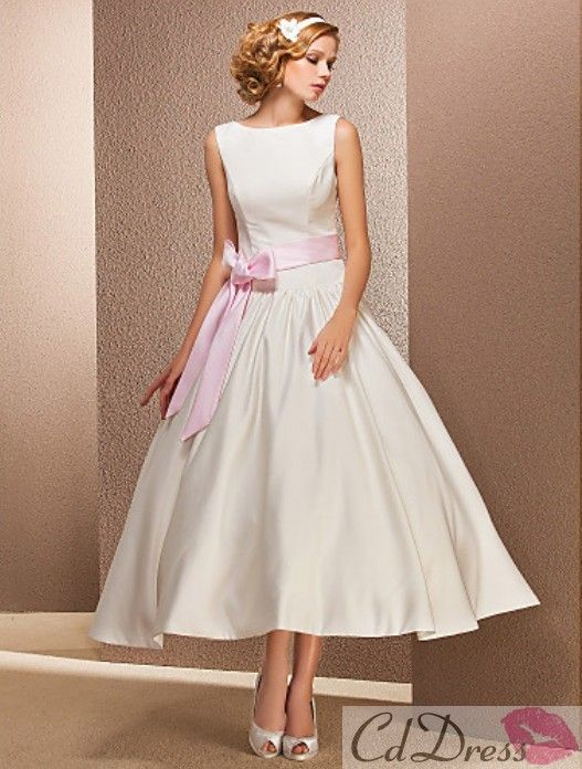 Nothing is more feminine than the 1950's style ...