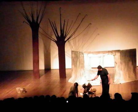 Espetáculo Vidas Secas no teatro Nelson Rodrigues http://www.guarulhosonline.com/noticias/cultura-e-lazer/espetaculo-vidas-secas-no-teatro-nelson-rodrigues/
