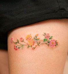2017 trend Watercolor tattoo - Tatuagem na coxa: 100 fotos que vão te convencer a fazer uma