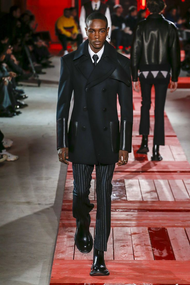 Alexander McQueen Fall 2018 Menswear Collection - Vogue