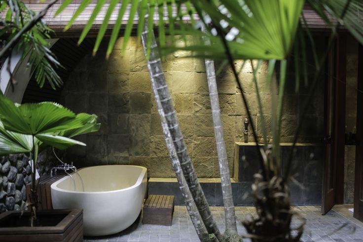 Outdoor shower, Alila Ubud, Bali