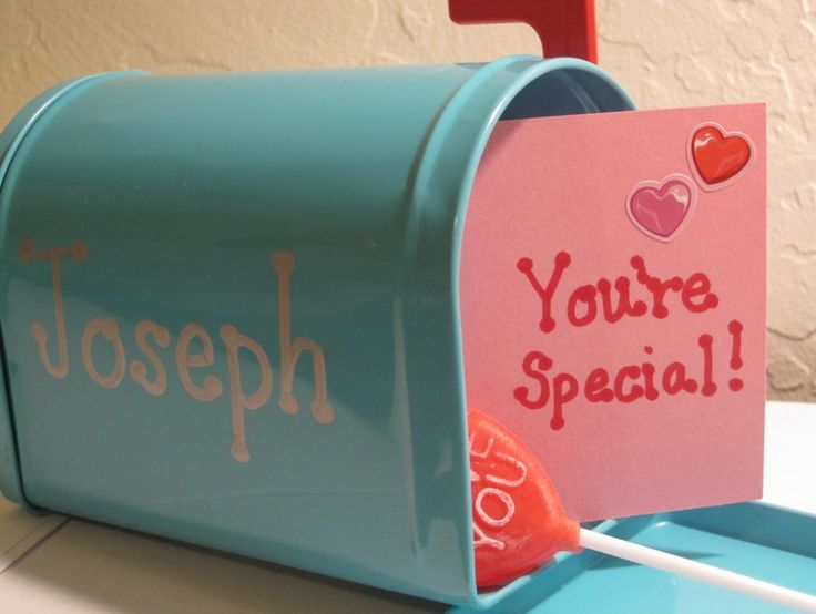 Too funny...I just bought my hubby and children mailboxes from the $1 bin at Target and plan to do 14 days of valentine notes and treats for them starting on February 1st.