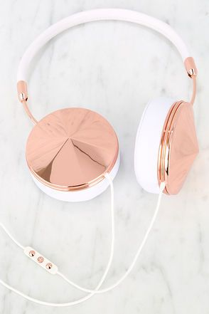 Frends with Benefits Taylor Rose Gold and White Headphones $20000 | @giftryapp
