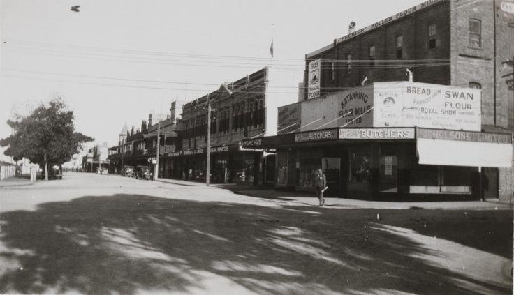 BA2220/14: Austral Terrace, Katanning, ca 1938 http://encore.slwa.wa.gov.au/iii/encore/record/C__Rb3432940?lang=eng