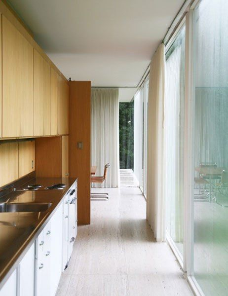 1000 Ideas About Farnsworth House On Pinterest Seagram Building