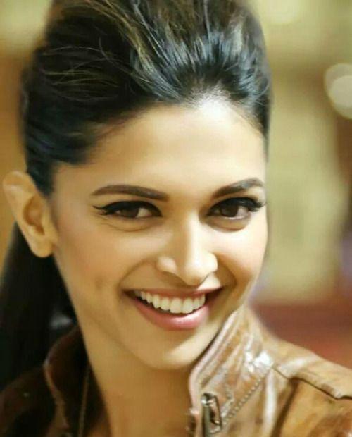 Deepika Padukone Beautiful Face Picture