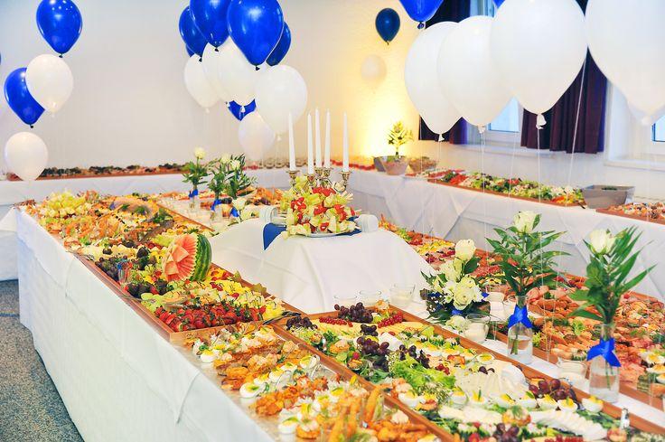 Caterings für bis zu 1000 Personen zu betreuen, ist für uns möglich.