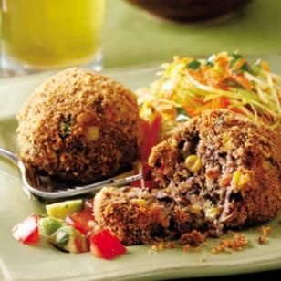 Yummy vegetarian dinner: Black Bean Croquettes with Fresh Salsa http://www.ivillage.com/vegetarian-recipes/3-b-143744308054