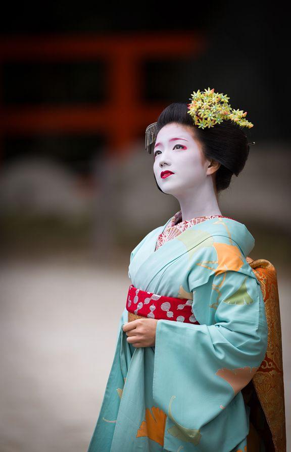 """geisha - kai : """" Kimono Fiesta 2015 : lindo maiko Katsuna de Kamishichiken"""