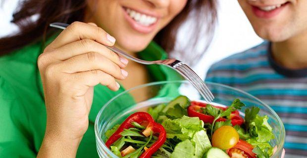 Иногда бывает так, что срочно нужно сбросить вес за короткий срок. Предлагаемая вашему вниманию диета рассчитана на пять дней, причем меню в течение всей диеты остается одинаковым. Пятидневная диета похудения Ежедневно предполагается 8-разовый прием пищи, через каждые два часа. Утром приготовим 2 литра имбирно-лимонной воды. Для этого возьмем столовую ложку мелко нарезанного имбиря, поместим его в стеклянный графин или другую …