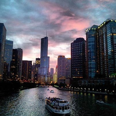 Take a sunset boat ride through lovely Chicago. Photo courtesy of ecesubasi on Instagram