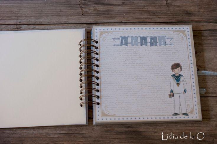 El primer libro de firmas de niño de la temporada de comuniones. Se trata de un libro de 20x20, compuesto por páginas de cartoncillo dec...