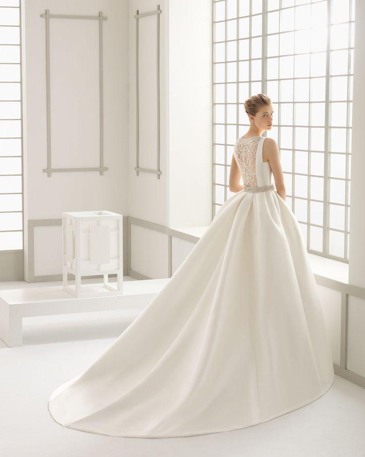 DELFOS traje de novia en mikado con espalda de tul bordado pedrería.