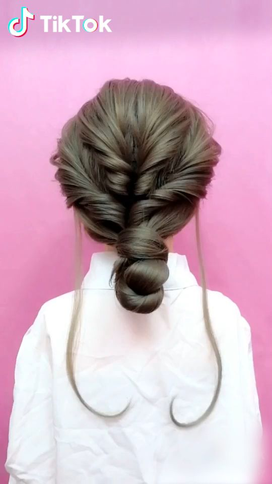 Super easy to try a new # hairstyle! Download #TikTok today for more hairstyle