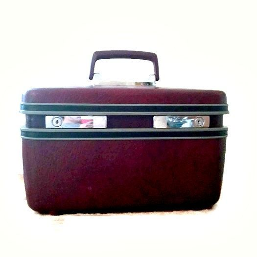 Vintage Makeup train case travel case burgundy make by Abisfinds