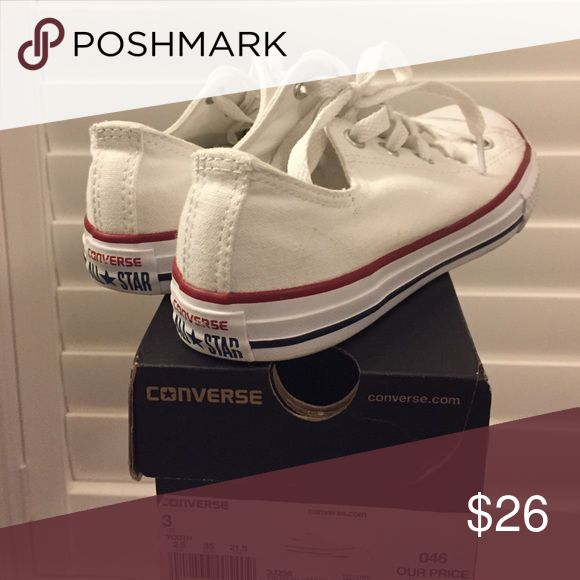 BLOWOUT SALE💥 CONVERSE SHOE white converse size 3 in youth, 5 in women's pretty much worn twice!COMES WITH 📦 📦 📦 BOX Converse Shoes Sneakers