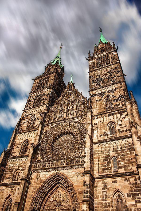 Germany Travel Inspiration - St. Lorenz Church Nuremberg Nürnberg Alemania…