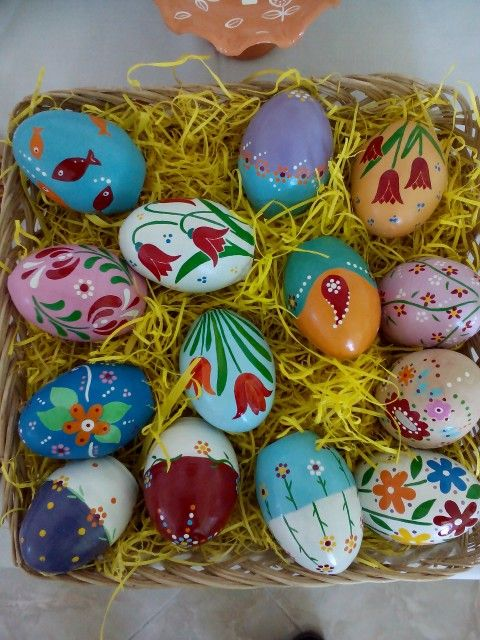 Painting on the eggs
